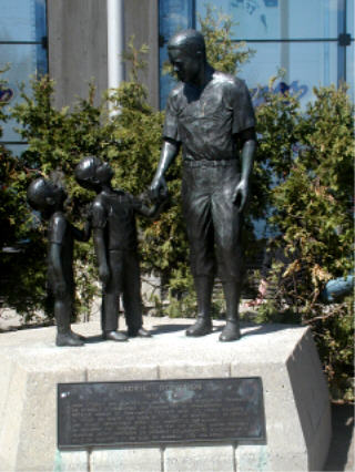 Jackie Robinson statue, Olympic Stadium